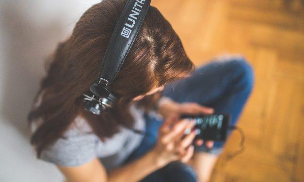 英語のレベルアップに最適なNHK英語講座のラジオ番組はどれ?オススメのNHKアプリって?
